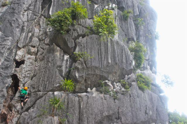 Yoel on the rocks